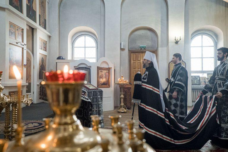Архиерейская служба в церкви Рождества Богородицы