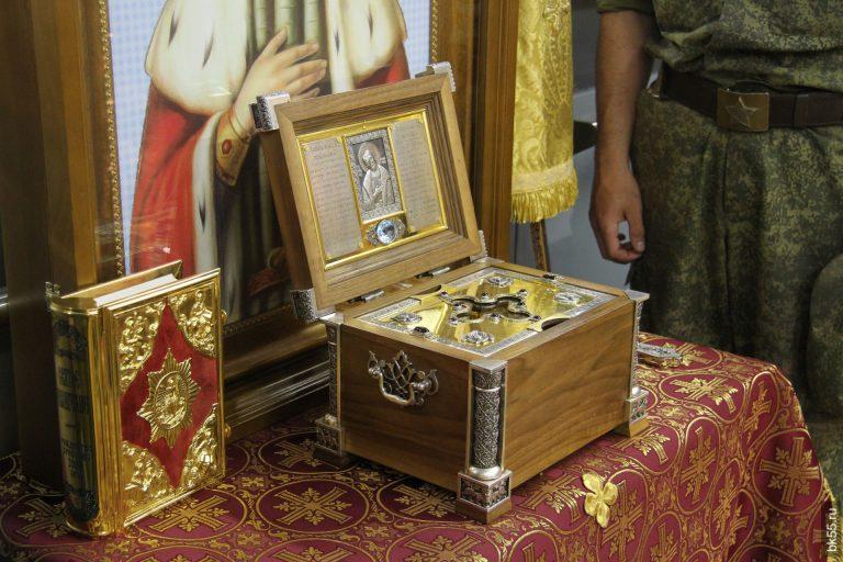 Принесение ковчега с мощами Александра Невского в Тверь