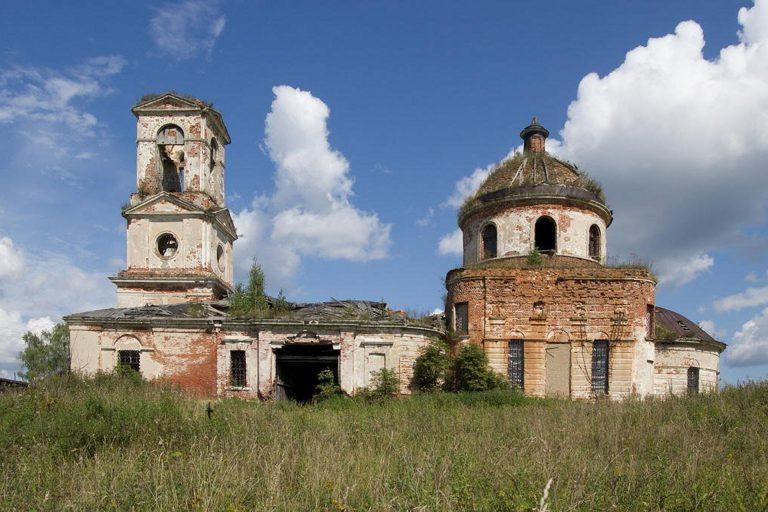 Троицкая церковь в Нестеровском, Калининский район