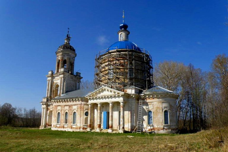 Рождества Пресвятой Богородицы церковь в Зиновьево, Калининский район